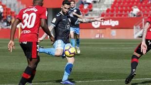 Tete se dispone a disparar en el partido del Lugo en Mallorca la...