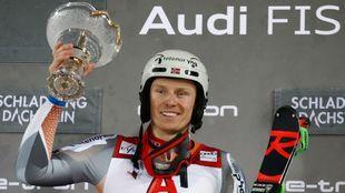 Con su cuarta victoria en Schladming Henrik Kristoffersen iguala el...