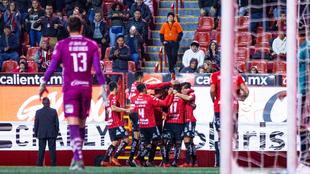 El festejo de los jugadores de Tijuana.