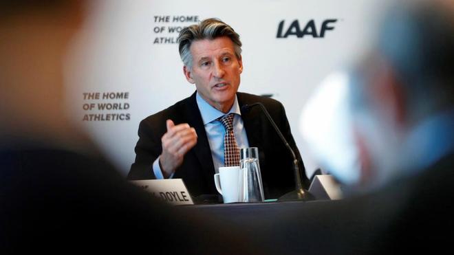 Sebastian Coe, presidente de World Athletics, durante una conferencia...