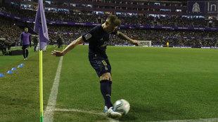 Kroos, asistiendo desde el córner en Valladolid.