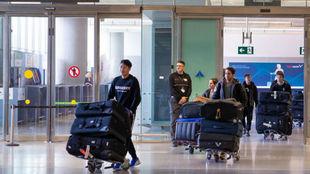 Los jugadores del Wuhan a su llegada a España.