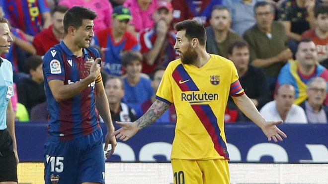 Messi durante un partido ante el Levante.