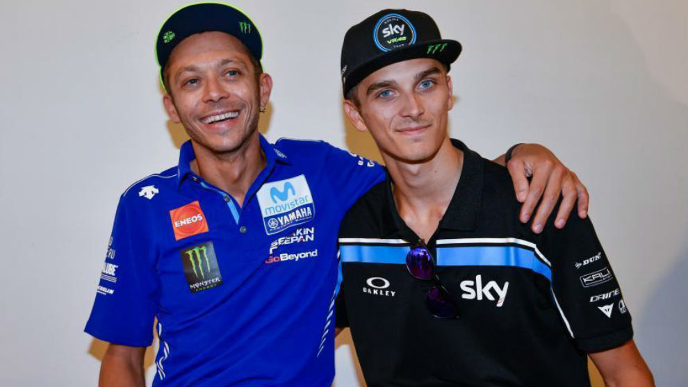 Valentino Rossi y Luca Marini, hermanastros.