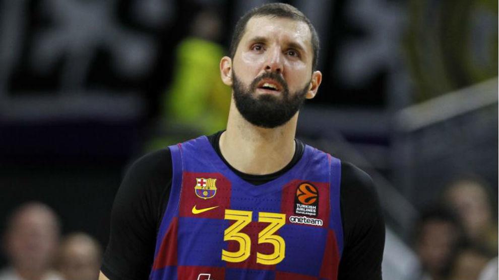 Nikola Mirotic, con gesto serio durante un encuentro.