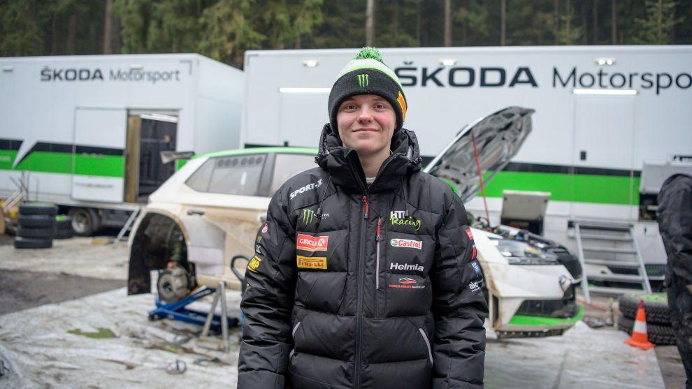 El joven noruego, de 18 años, en su primer test con el Fabia R5 Evo.