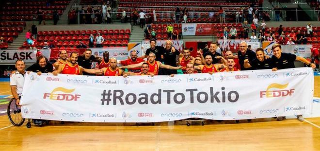 La selección española masculina tras lograr la clasificación para...
