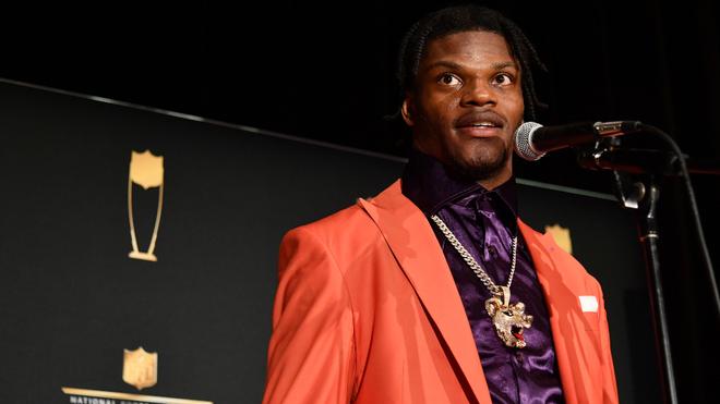 Lamar Jackson, nombrado MVP de la Temporada 100 de la NFL