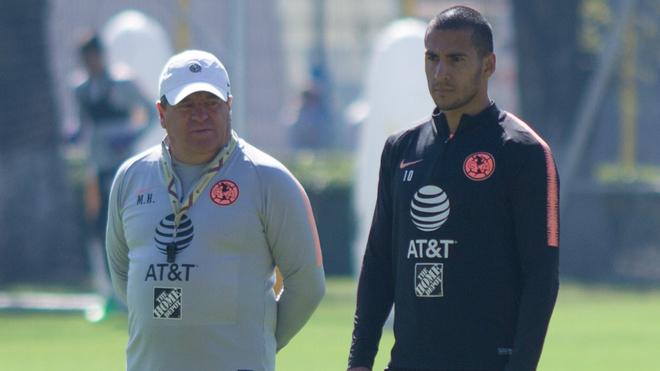Herrera y Domínguez en un entrenamiento del América.