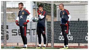 De Gea, Kepa y Pau, en en entrenamiento de la selección.