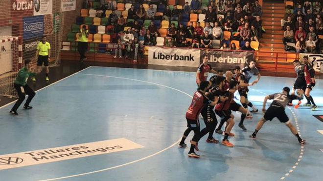 Un momento del partido entre el Cuenca y el Huesca /