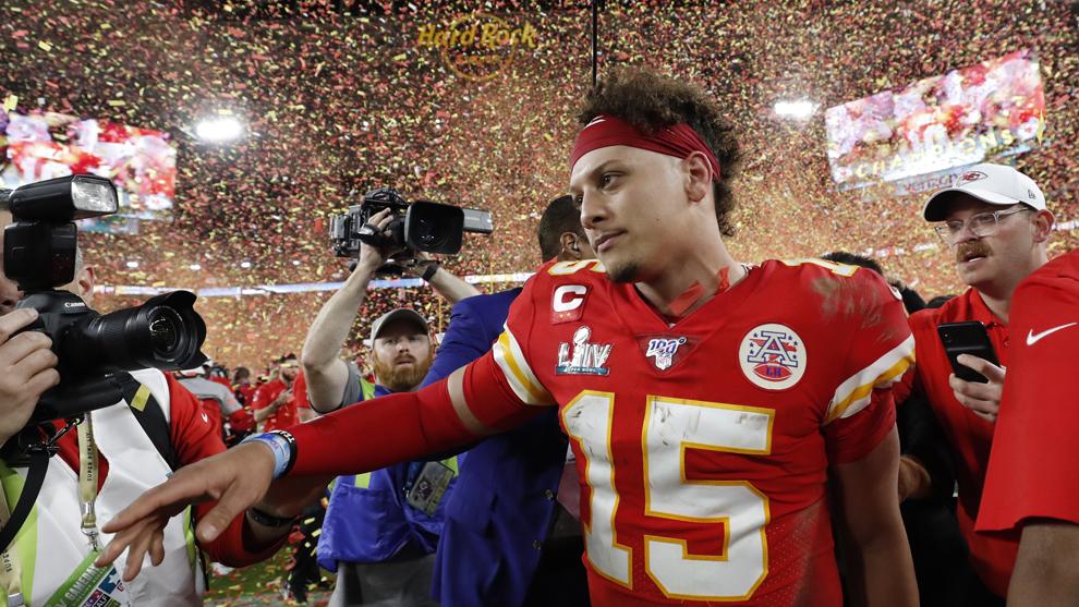 Patrick Mahomes celebrando la conquista del Super Bowl LIV.