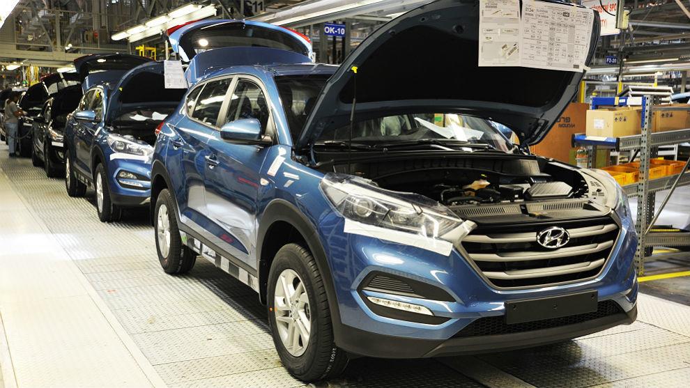 Hyundai y Kia Motors detienen producciones por coronavirus