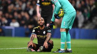 Sterling, lesionado ante el Tottenham.