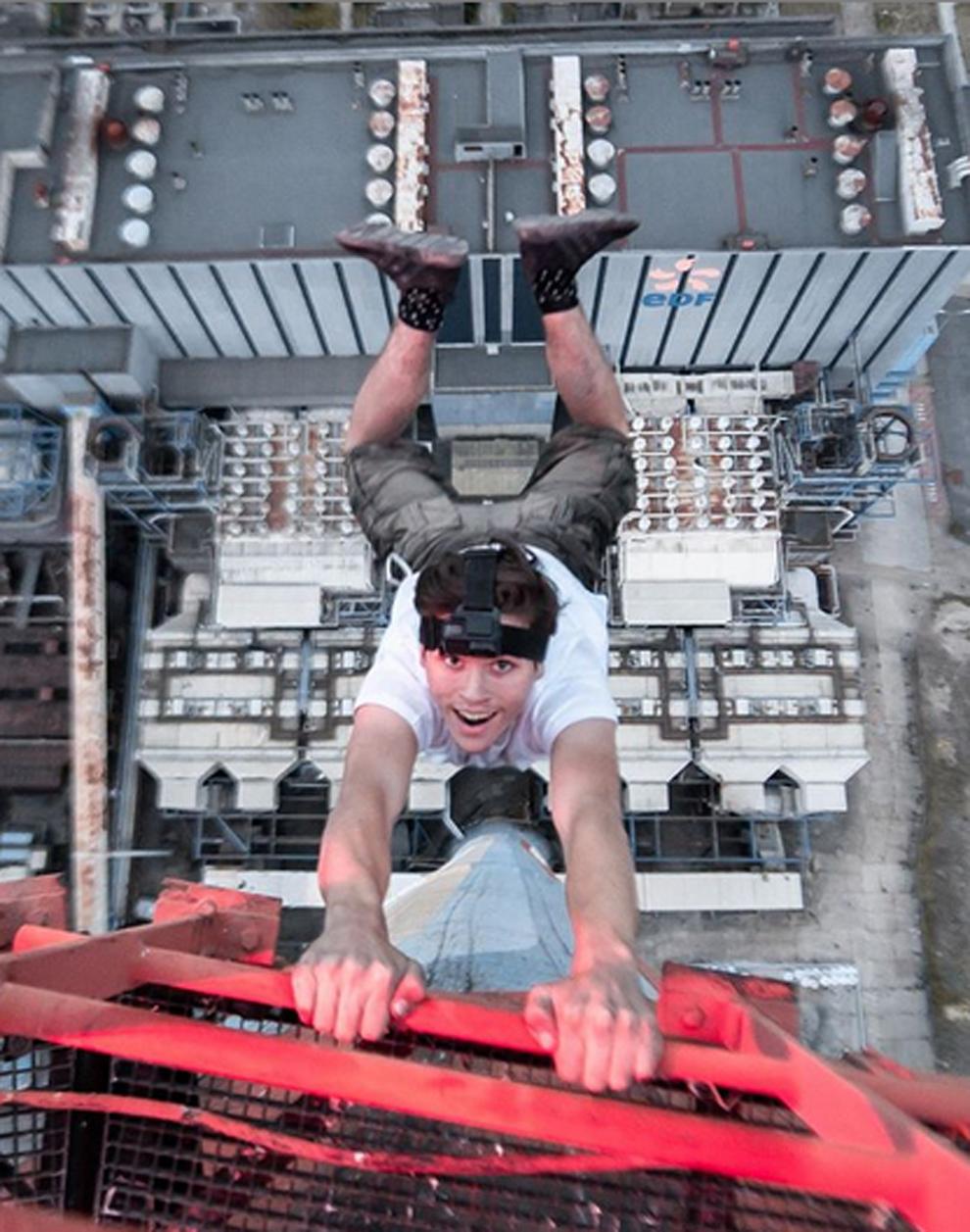 El joven inglés 'Nuisance' escala edificios para hacerse selfies...