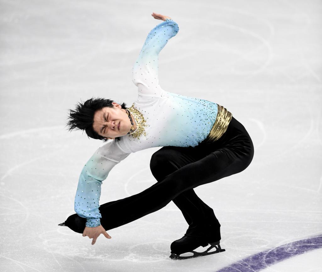 Yuzuru Hanyu, durante el programa corto del torneo Cuatro Continentes.