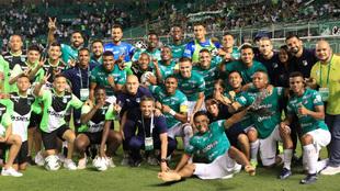 Deportivo Cali celebra la victoria en el clásico