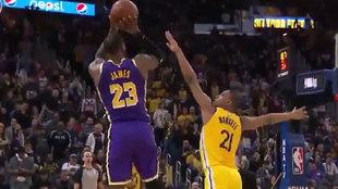 El triple con el que LeBron James selló la victoria de los Lakers