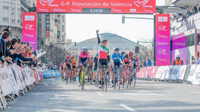 Bastianelli celebra su triunfo en Valencia.