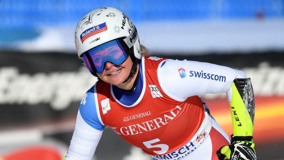 Corinne Suter ha sido la más rápida en el super G de Garmisch...