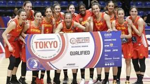 Las jugadoras de la selección española celebran la clasificación...