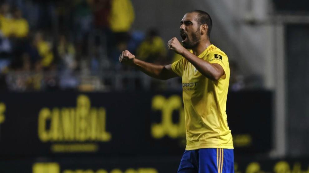 Fali celebra uno de los goles del Cádiz