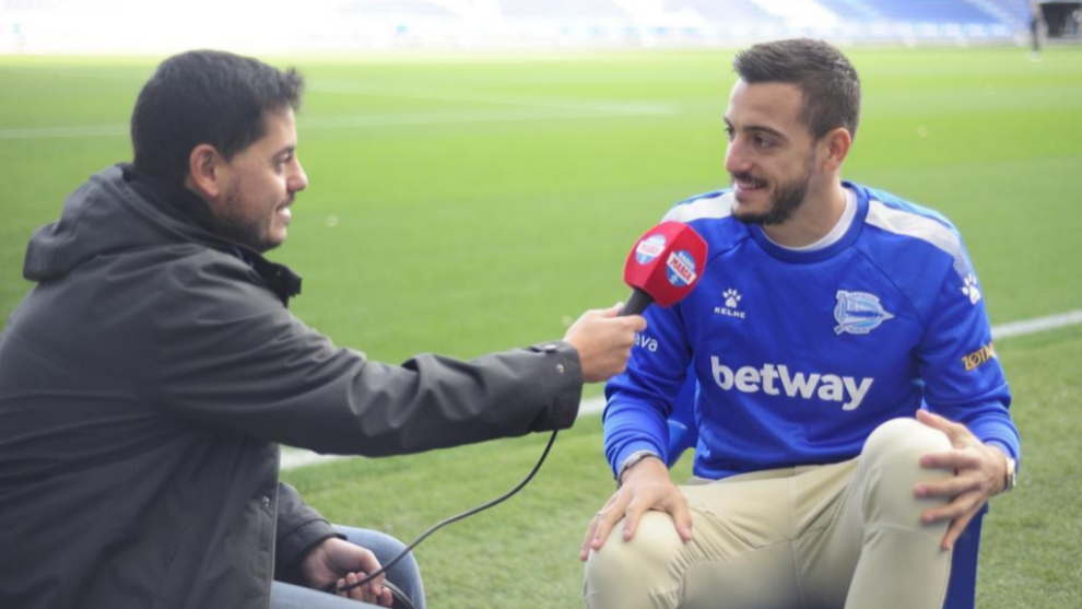 Jon Dos Santos spoke to Joselu for Radio MARCA.