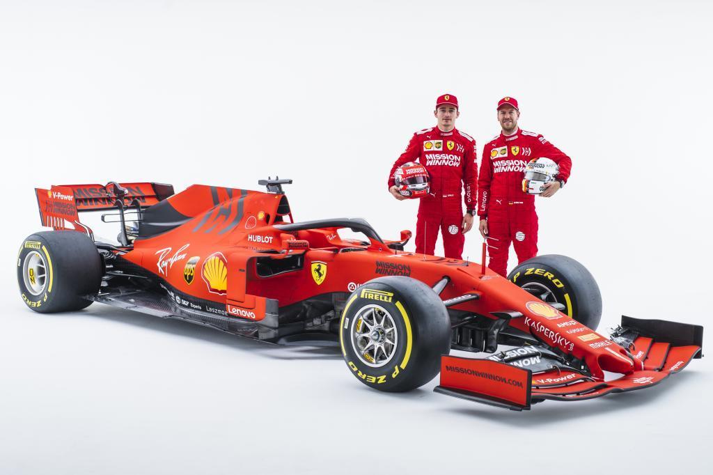 Presentaron el equipo Ferrari de Fórmula 1 en Reggio Emilia