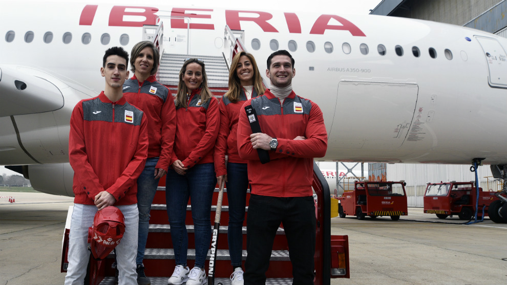 Tortosa, Gálvez, Portela, López y 'Shera', en la escalerilla del...