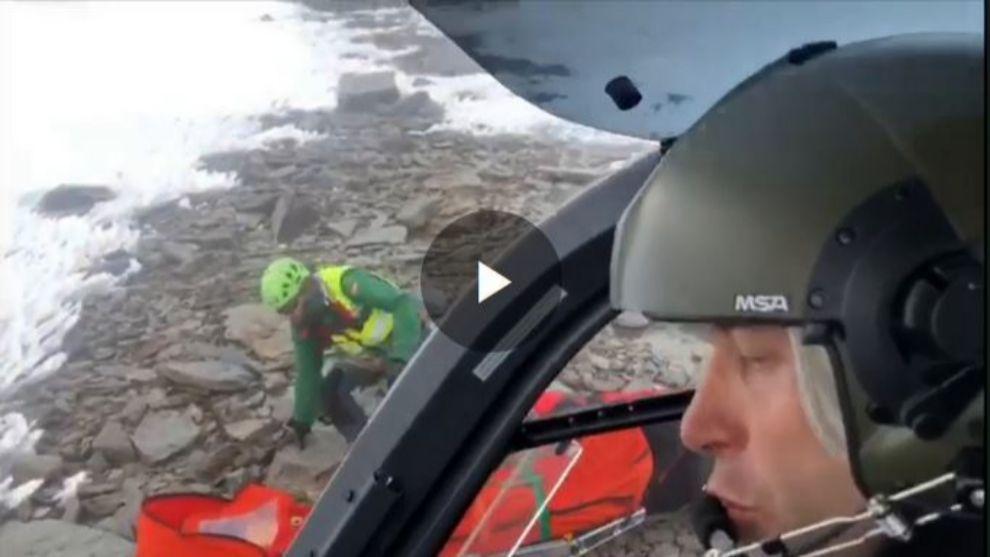 Una imagen del rescate en el Mulhacén el pasado mes de enero