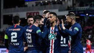 Sarabia celebra uno de sus dos goles al Dijon