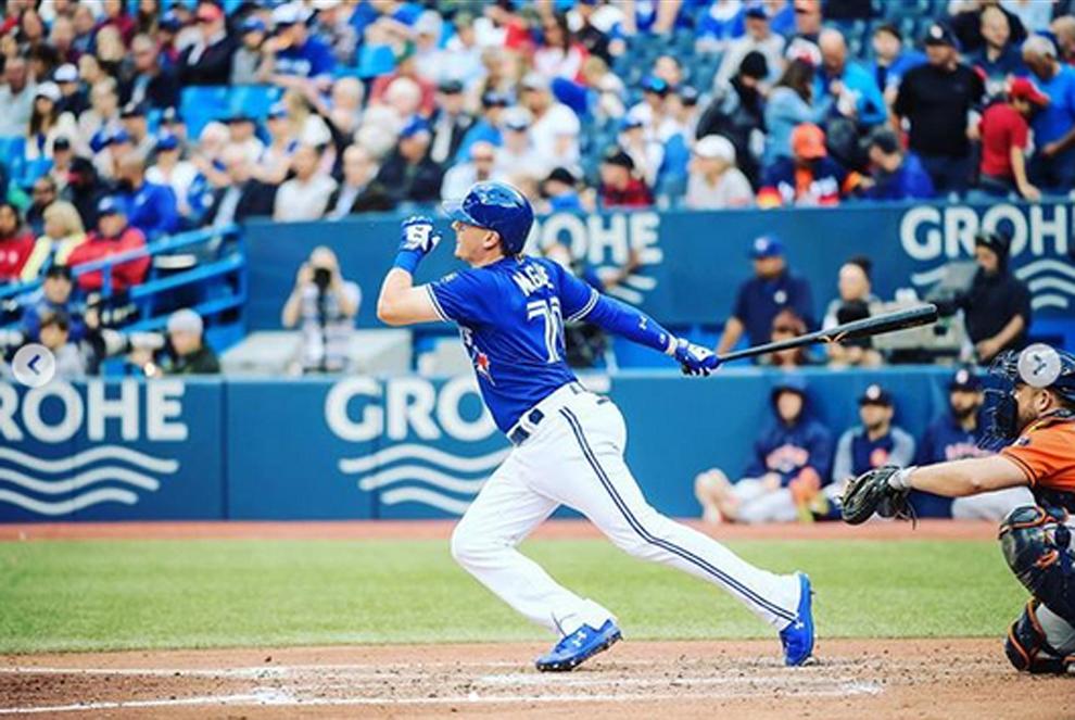 Reese McGuire jugando con los Toronto Blue Jays de la MLB