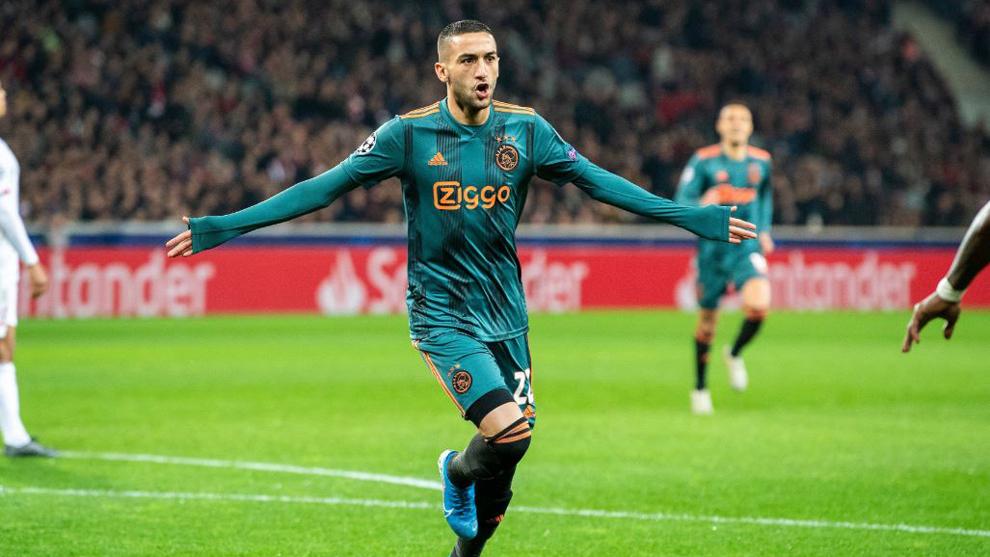 Premier League: Chelsea y Ajax llegaron a un acuerdo por Hakim Ziyech