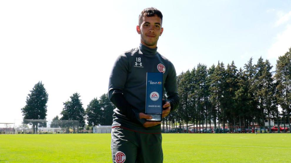 Leonardo Fernández fue distinguido como el Mejor Jugador de enero de...