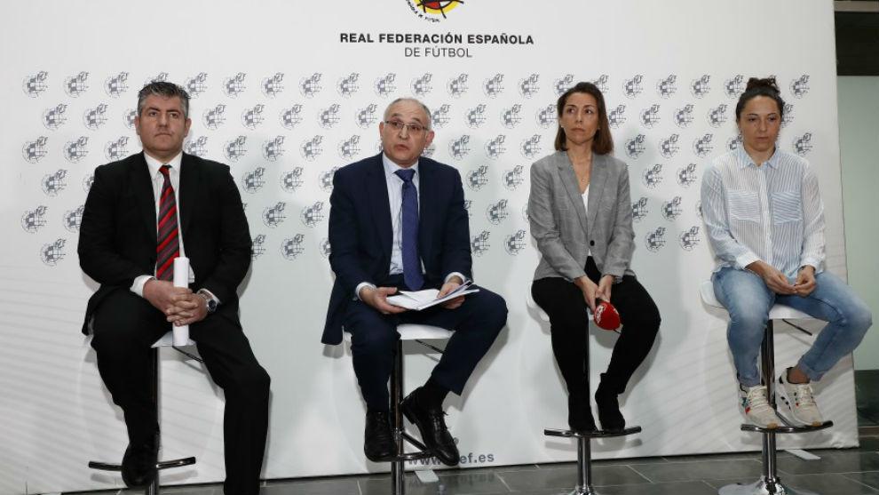 Iñaki Mikeo, Andreu Camps, Elvira Andrés y Laura del Río, en la...