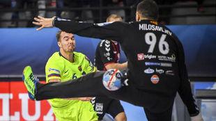 El extremo danés Mortensen, en un partido de la Liga de Campeones...