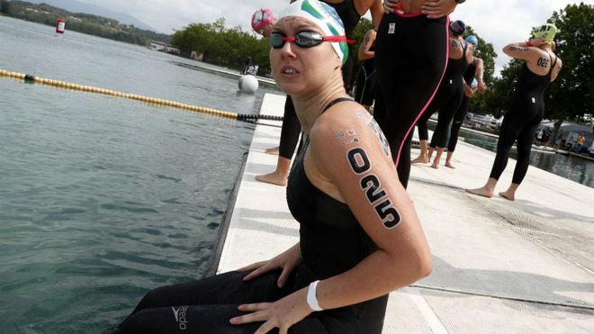 Paula Ruiz, en una prueba en el lago de Bañolas