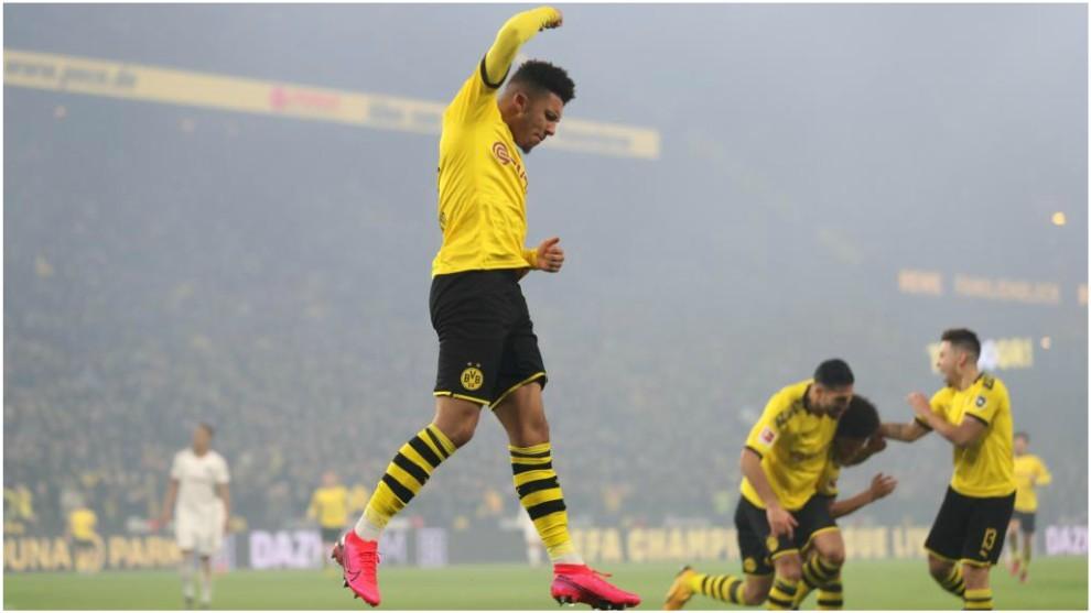 Jadon Sancho celebra su gol contra el Eintracht Frankfurt.