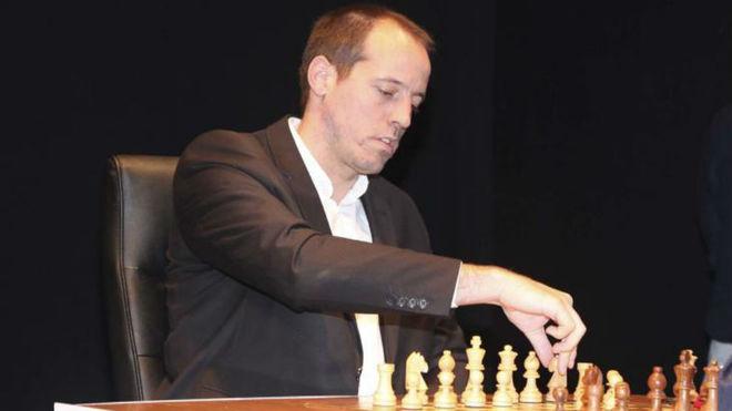 Paco Vallejo gana la partida a Hacienda