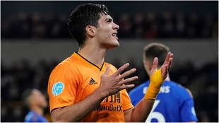 Jiménez se aleja del Manchester City.