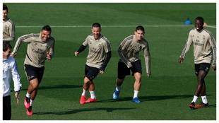 Casemiro, Hazard, James y Mendy, en el entrenamiento de esta mañana...