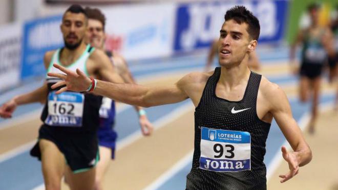 Jesús Gómez durante una carrera indoor en 2019.