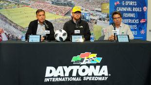 Ignacio Galarza (TyC), Chip Wile (Daytona) y Reynal, catalizador de la...