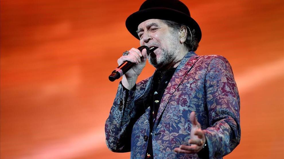 Joaquín Sabina sufrió una aparatosa caída en pleno concierto