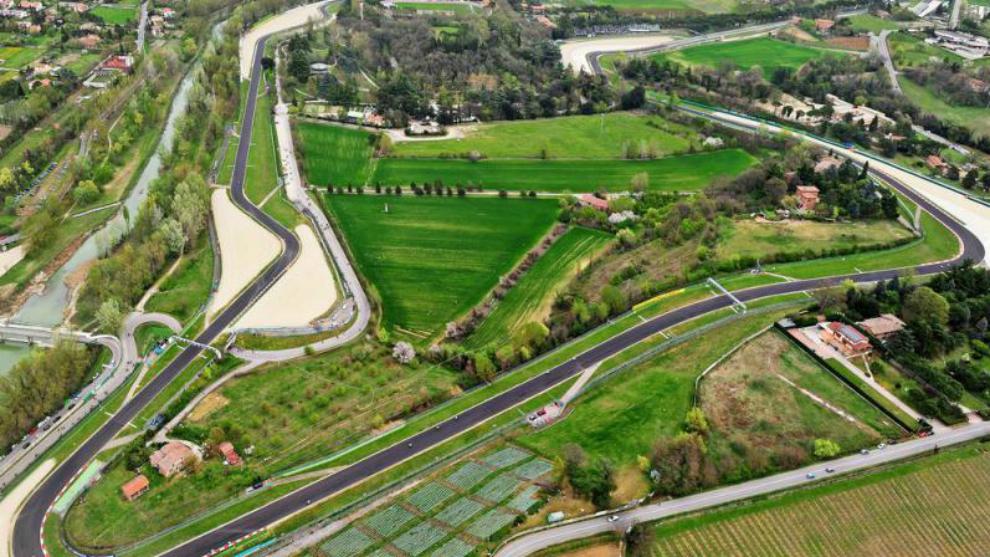 Una vista aérea del cirtuido de Imola.