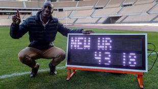Michael Johnson rememorando su récord en Sevilla, España.