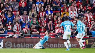 Oier celebra su gol en San Mamés