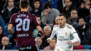 Hazard encara a Kevin, que se retiró lesionado.