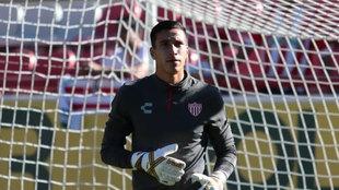 Alonzo, previo a su debut en liga.