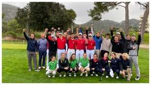 Foto de familia de los participantes en la Golf East Mallorca Cup